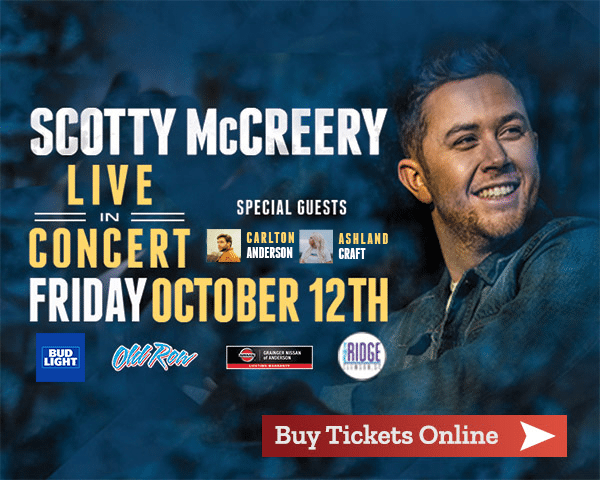 scotty mccreery in concert at Denver Downs